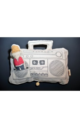 "BOÎTE À MUSIQUE ""GHETTO-BLASTER"" - ""GET LUCKY"", FEATURING PHARRELL WILLIAMS"
